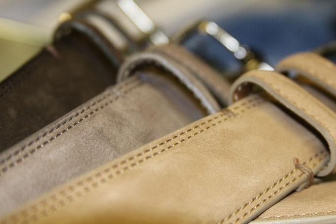 Gürtel aus Velour sind besonder angesagt, aber Prägeprints in Schlangenoptik oder vieles mehr von B.Belt Schuchart Friese oder HUGO BOSS