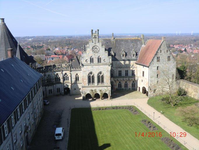 Innenhof von Burg mit Museum