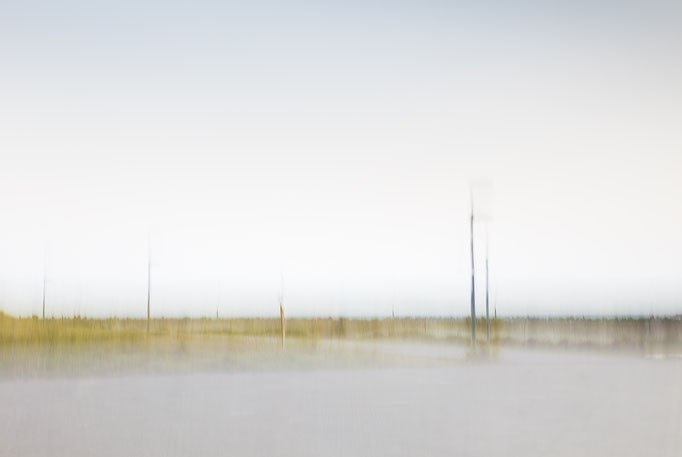 """""""Warten""""  aus der Serie """"Schein und Sein""""          60x40cm FineArt-Print hinter Acrylglas     380,-€      (limitierte Auflage)"""