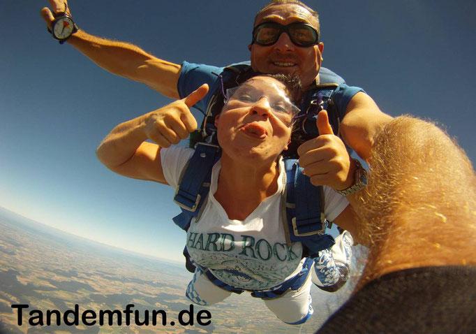 6000 Meter Fallschirmspringen Tandemsprung