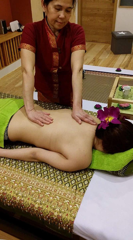 Aromaöl Massage