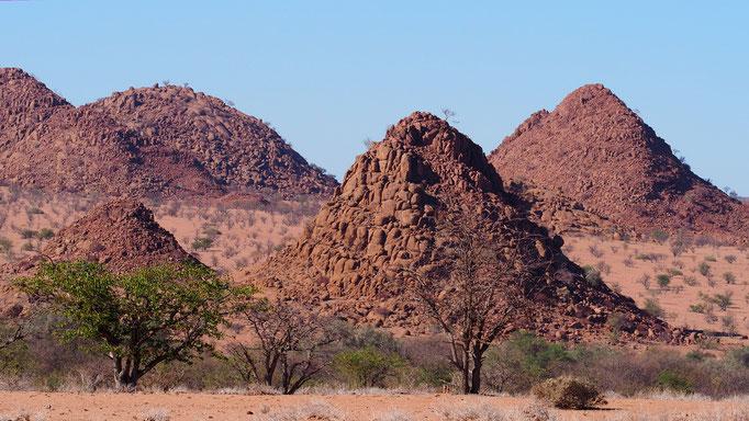 Namibia, am Weg nach Twyfelfontein