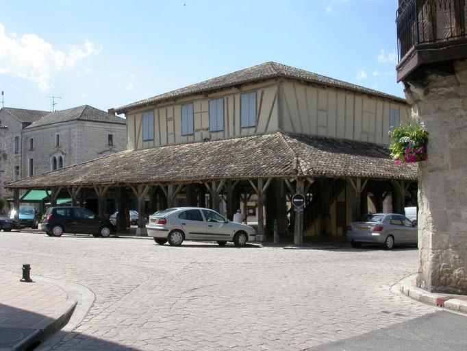 halle de Villeréal patrimoine classé