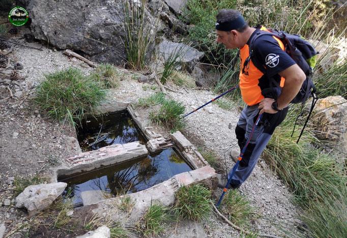 Fuentecilla nacimiento del arroyo Colorao