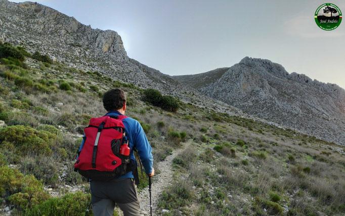 Hacia el barranco del Aznaitín