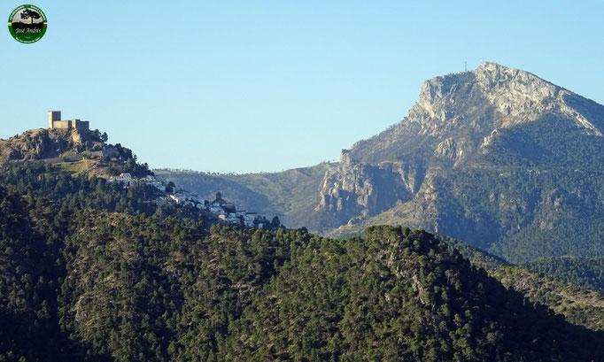 Segura de la Sierra y el Yelmo