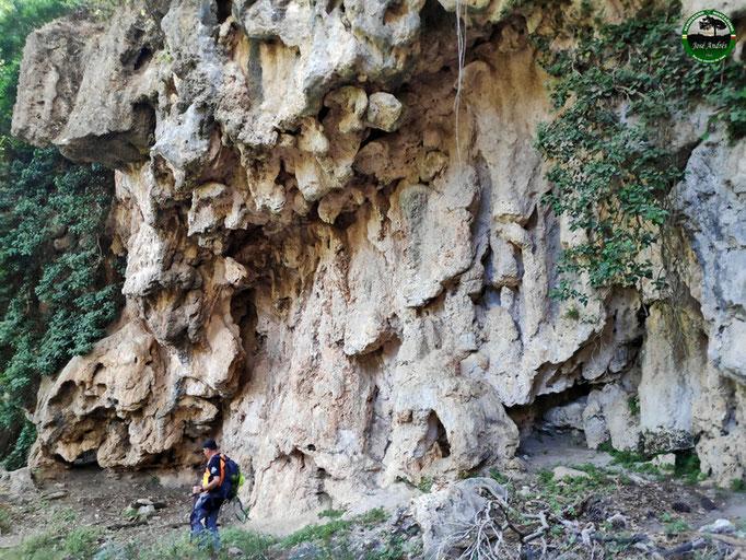 Cascada de toba en Rechita