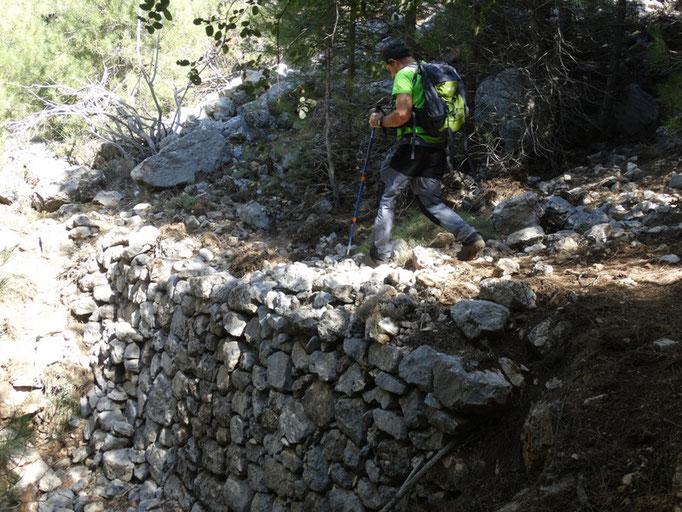 Viejo camino de bajada al Chorro