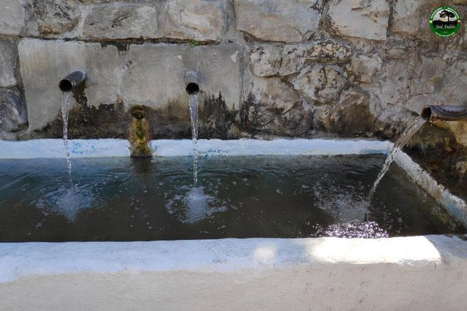 Fuente lavadero del barranco Perona