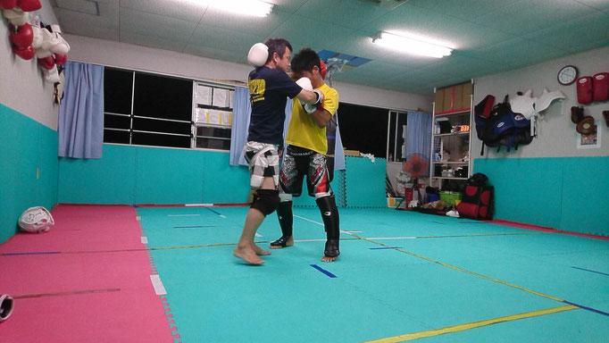 キックボクシング首相撲