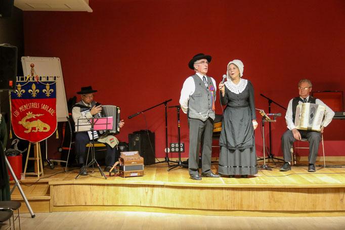 chant occitan chanson ancienne groupe folklorique de sarlat en dordogne