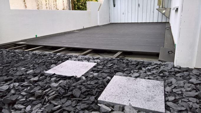 Terrassenbau, Renovierung, Brüstungs-Mauern, WPC Terrassendielen, Einbaustrahler