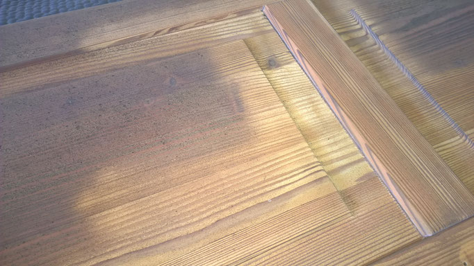 Sandstrahl-Technik: abtragen der verwitterten Lackschichten