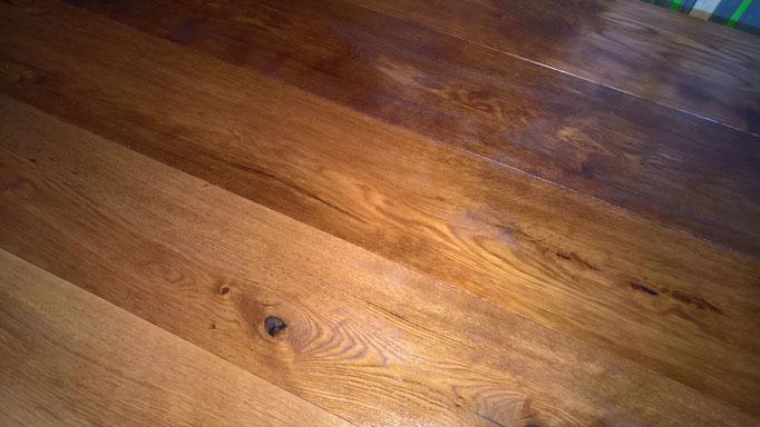 Oberflächenbehandlung: Parkettboden Dielen, Farbton Beizen, versiegeln, Eiche Parkett