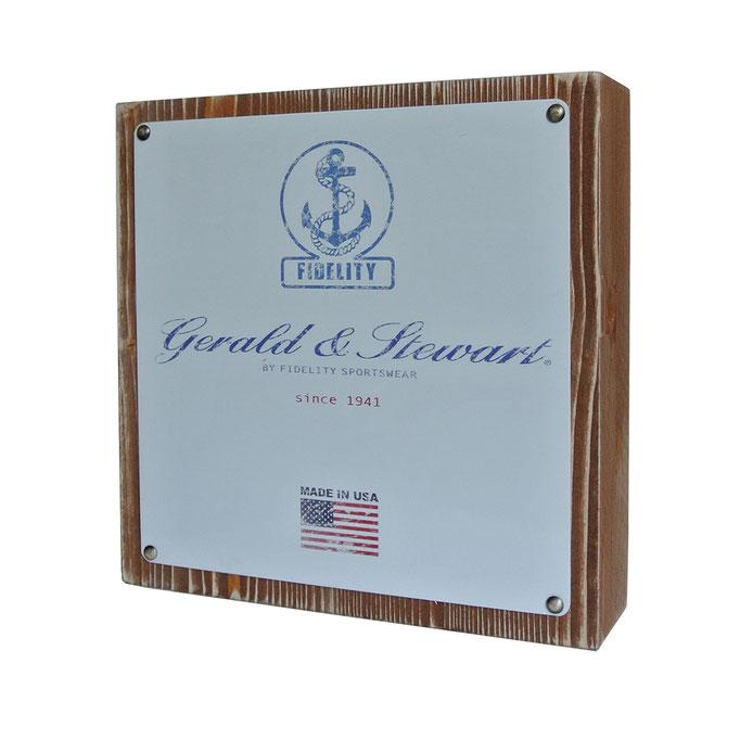targhetta Gerald&Stewart in legno trattato e alluminio personalizzato