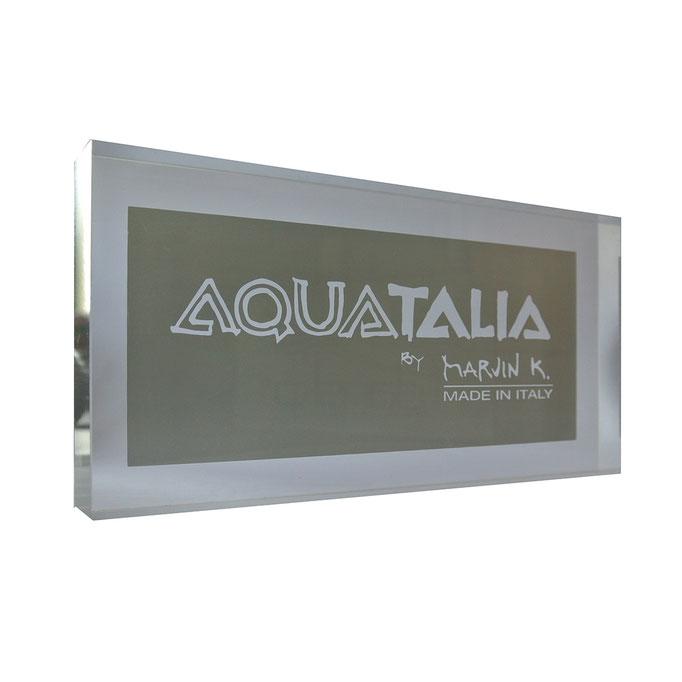 targhetta plexiglass ACQUATALIA personalizzazione in vetrofania