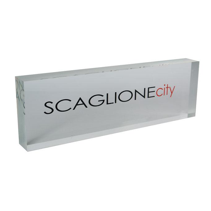 targhetta plexiglass SCAGLIONE personalizzazione due colori