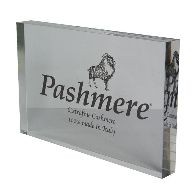 targhetta plexiglass PASHMERE personalizzazione un colore