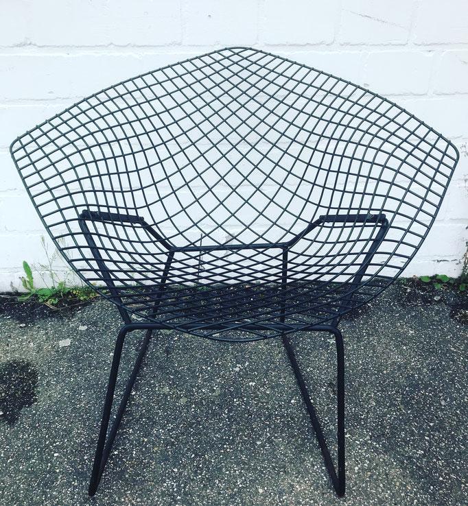 Diamond Chair von Hary Bertoia. Knoll. Bei uns ab Freitag in der Halle.