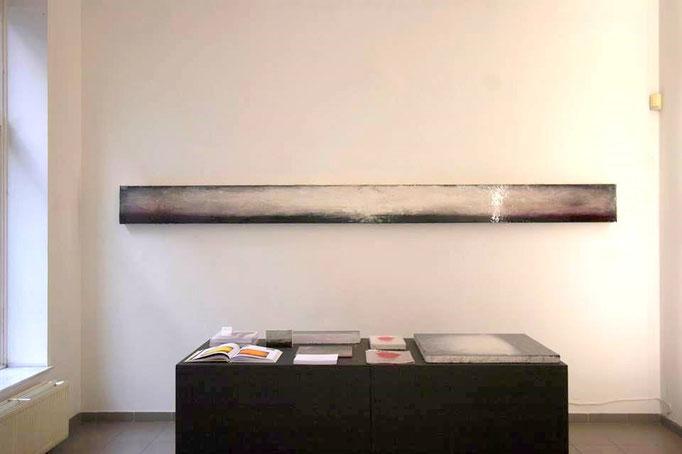 Baguettes 06 - 30 x 390 x 15 cm; Acryl, pigments and lacquer on plexiglas, 8500