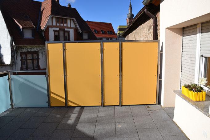 Sichtschutz mit Hochdrucklaminatplatten