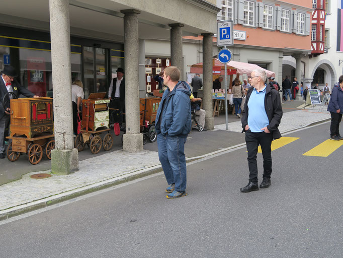 Markus Waber (rechts) und Stefan Lehmann ebenfalls zu Besuch am Nostalgietag