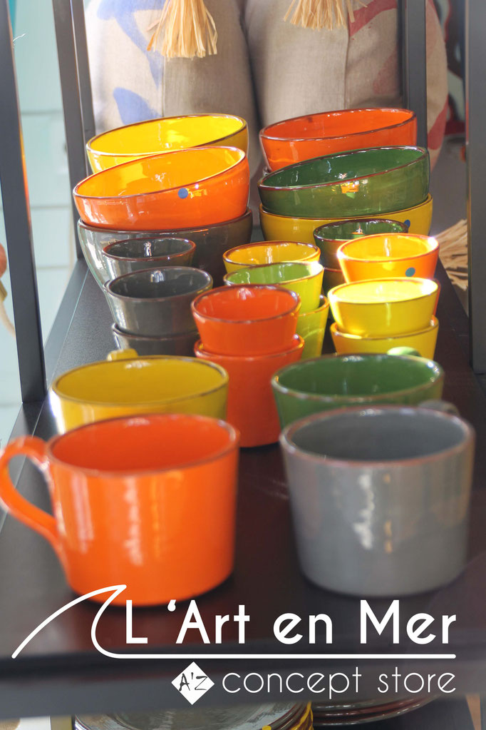 L'art en mer concept store surf shop les lecques vaisselles tasse à thé céramiques de créateurs