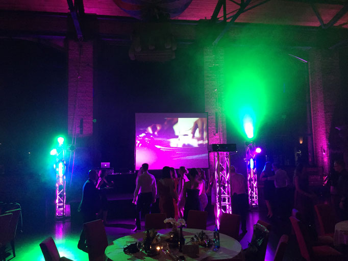 Abiball DJ im Dacpo mit aufwändiger Light& Video Show