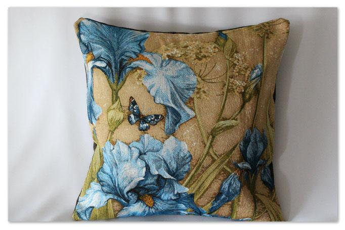 """""""Blaue Iris mit Schmetterling"""""""