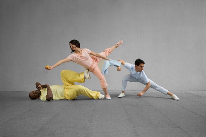 Tablemanners Tony Adigun Avantgarde Dance Photo Mira Loew
