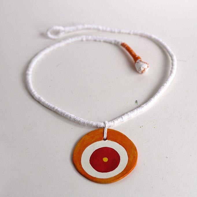 Κολιέ μάτι πορτοκαλί  (πηλό μοντελισμού-χειροποίητο υφασμάτινο κορδόνι) 14 Ευρώ