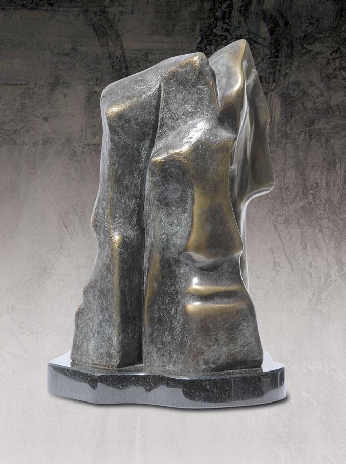 L'ESPRIT VEILLE, Bronze  13 X 7,5 X 4,5 po.