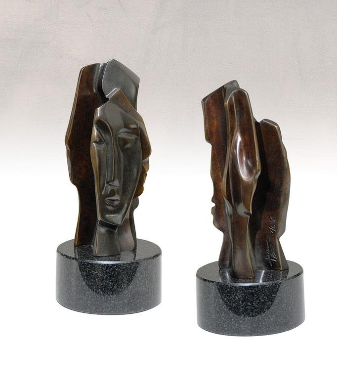 LES HÉRITIERS DU RÊVE, Bronze - 3,5 X 3,5 X 8 po.