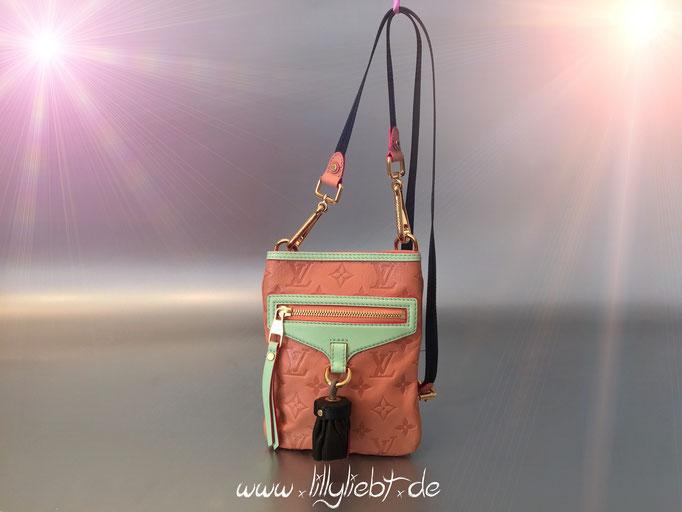 Louis Vuitton Monogram Underground Flat Bag in Rose