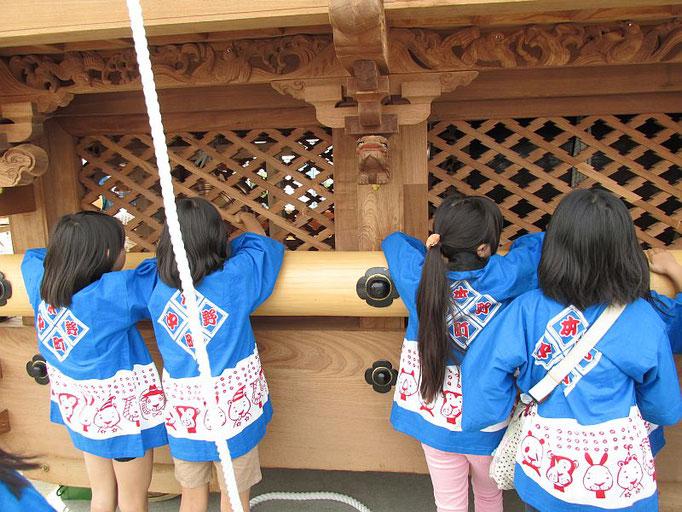 中野本町地車と子どもたち