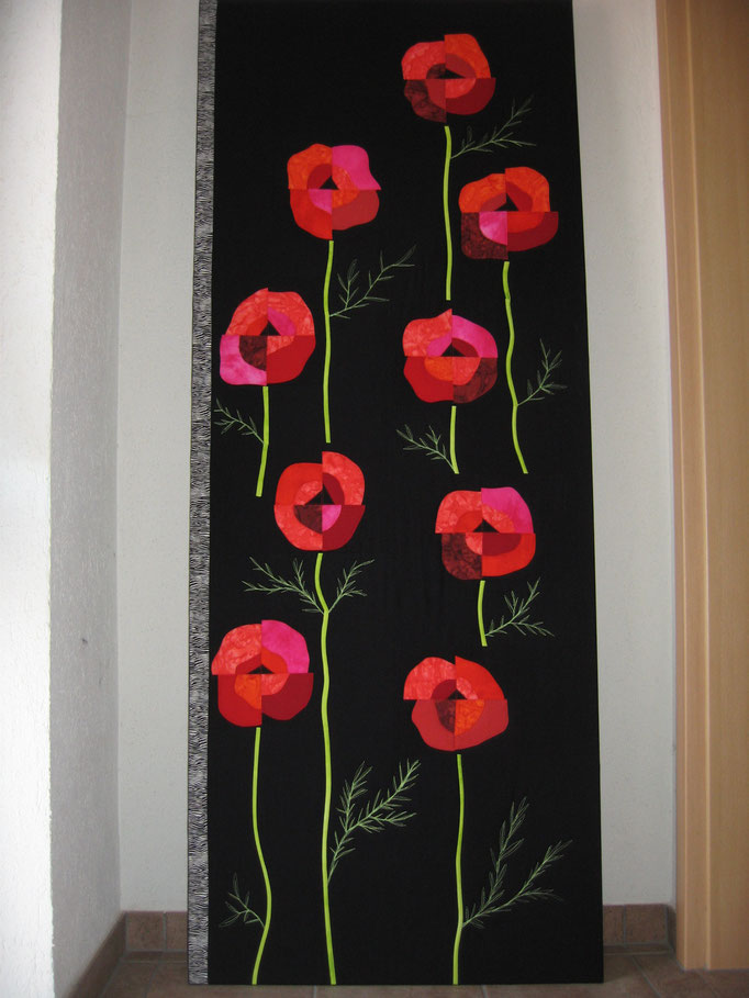 Wandbild mit Mohnblumen, 190 cm hoch, 75 cm breit
