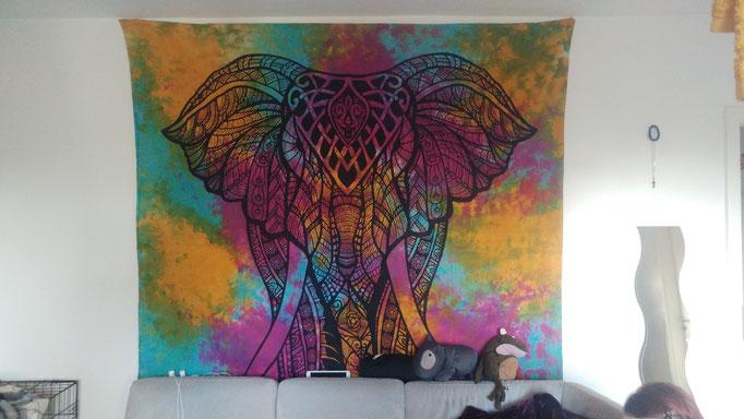 Buntes batik Wandtuch mit Elefant