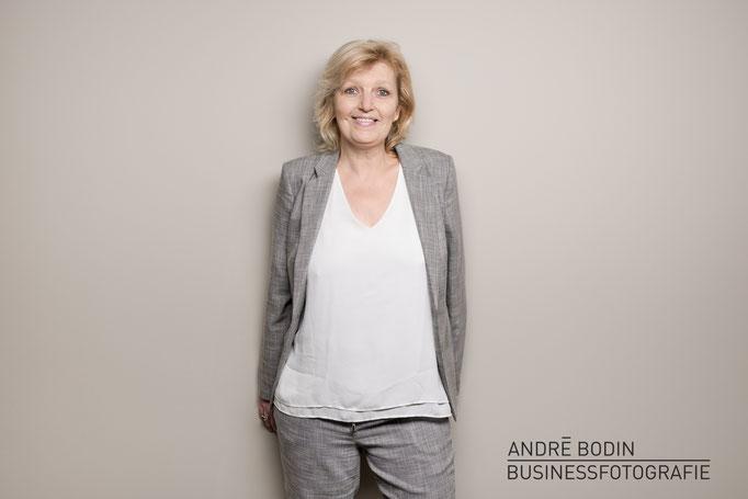 Businessfotografie: Geschäftsführerportrait bzw Mitarbeiterportraits für eine Marketingagentur in Münster