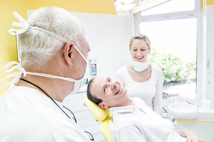 Businessfotografie: Praxisfotosfotos, Imagefotos und Detailaufnahmen für die Webseite einer Zahnarztpraxis
