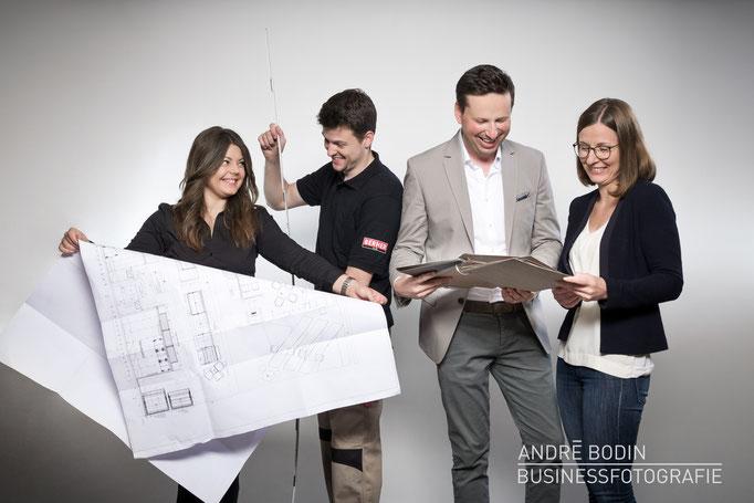 Businessfotografie: Teamfoto und Mitarbeiterportraits für die Webseite eines Unternehmens