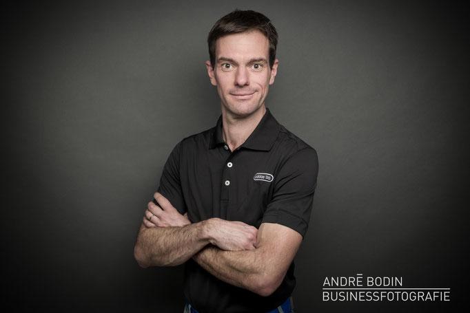 Businessfotografie: Geschäftsführerportrait bzw Charakterportraits für einen Golflehrer