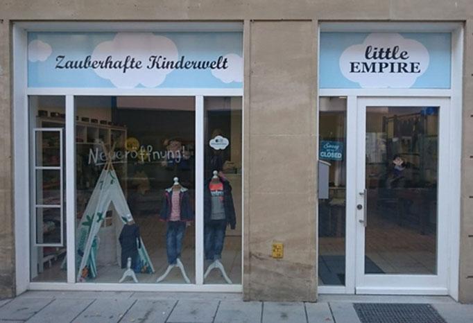 Außenwerbung mit Klebefolie bei Little Empire in Forchheim