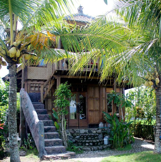 bali bungalow medewisurfhomestay