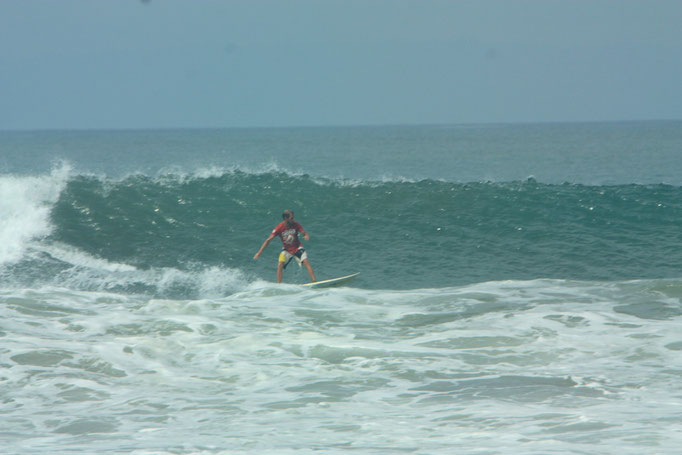 Surf medewi beach