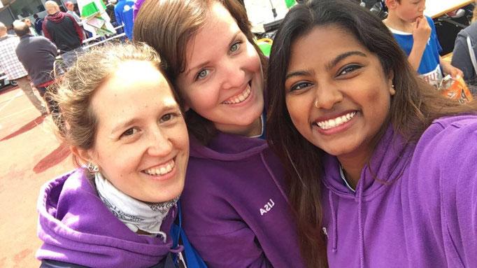 die Jugileiter Silvi, Aaranya und Lisa haben wie immer viel Spass dabei