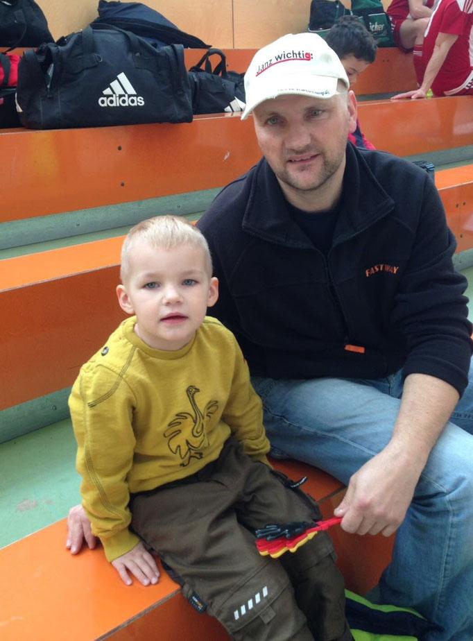 Letzte Woche noch im Einsatz, heute mit Sohn Tim,    Zuschauer: Kinski