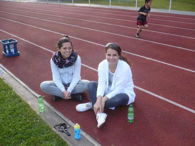 Damenrunde:   Frau Ribeiro und Frau Vieira