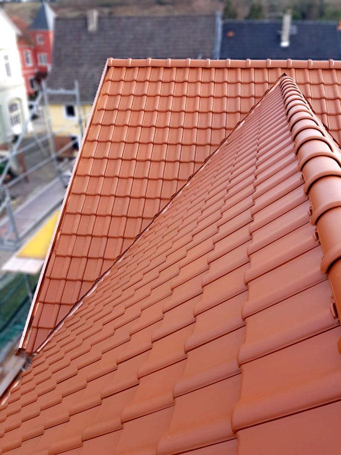 Eindeckung mit Dachziegel Alegra 10 naturrot