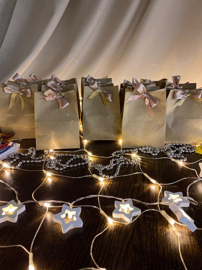 Новогодние подарки детям к НГ2021