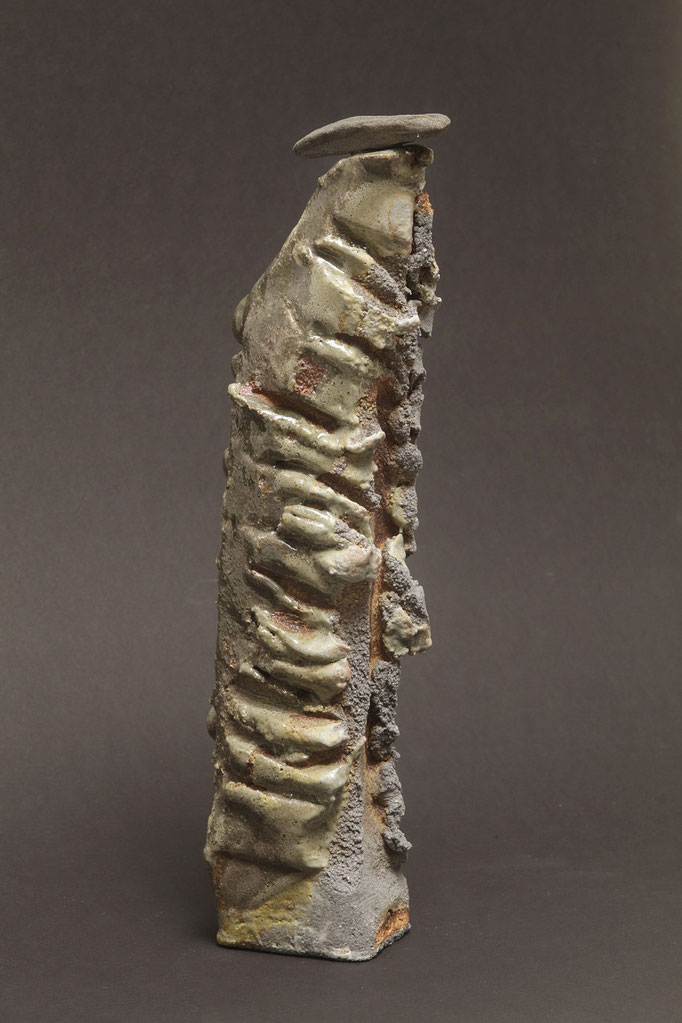 walking stone III. h : 40 cm